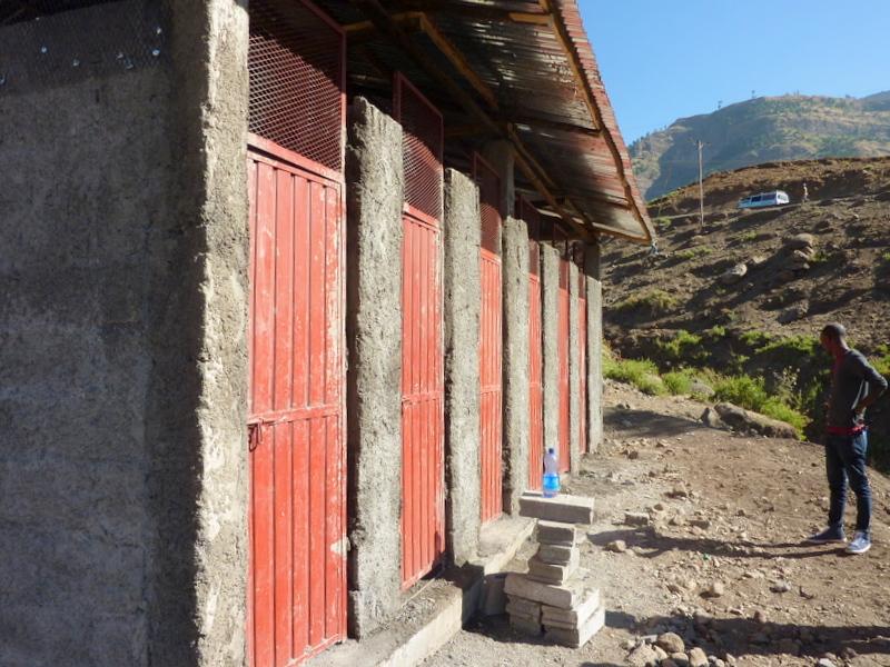 lalibela_toilets-1